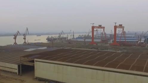 乌克兰造船厂曾造过九艘航母,没能力拆一艘万吨巡洋舰,真是悲惨