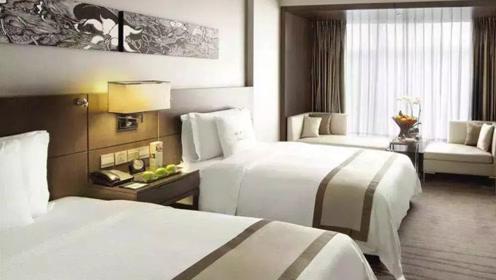 为什么酒店床单都是白色,而不是蓝色红色?保洁阿姨道出猫腻