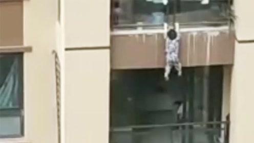 2살짜리애기 6층 빌딩에서!!…