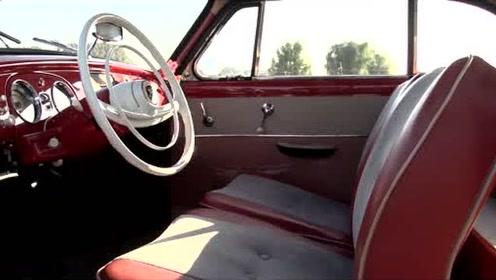 1958年2冲程的DKW小汽车来体会一下冒烟的汽车是什么感觉