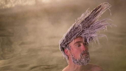 """加拿大奇葩""""冻发大赛"""",把头发冻成各种冰雕,谁更奇葩谁胜出!"""
