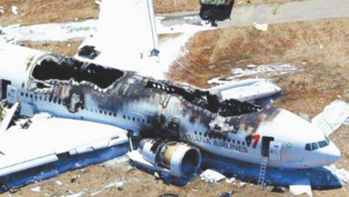 为什么飞机出事,宁愿坠毁也不让乘客跳伞?看完感觉没救了!