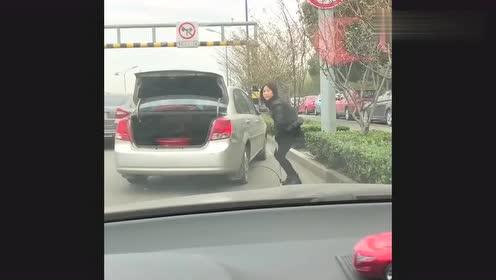 偶遇,原来汽车还能这样充气啊,长知识了!