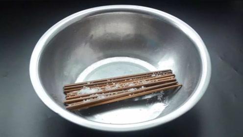 新买的筷子,切记不可用水煮,教你个诀窍,一辈子不发霉,不生斑