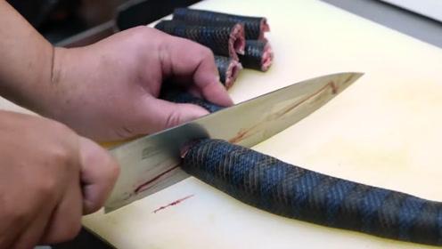 """日本的""""危险料理"""",有剧毒的海蛇都要吃,网友:终于不敢生吃了"""