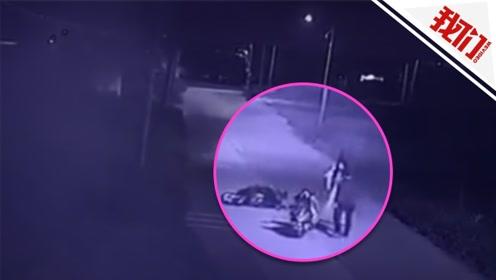 广东一女子遭遇飞车男抢包 监控记录两次强抢未得逞