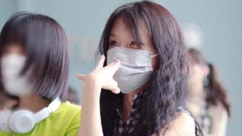 明日之子四强机场照:冯希瑶无形象管理,洪一诺爱搞怪