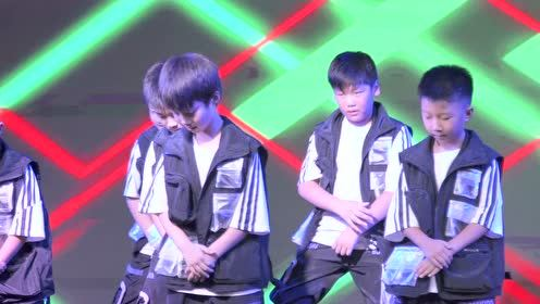 洛阳2019乐舞秀舞蹈盛典 《RAINBOW BOYS》