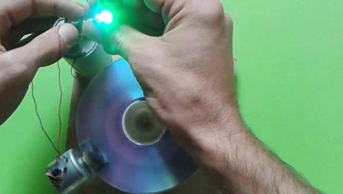 小哥自制自由能发动机,轻松带动小灯泡,在家就能自己做