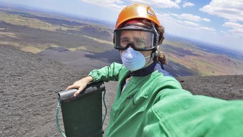 外国小伙体验火山滑板,过程太酷炫,看完你想尝试吗?