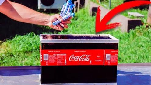 将曼妥思投入一缸密封的可乐会爆炸吗?老外实测,镜头记录下一切