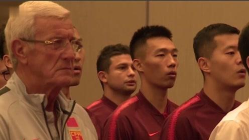 郑智卸任国足队长变身助教 艾克森首次公开唱国歌