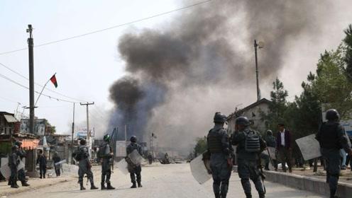 蓬佩奥拒绝在协议上签字,塔利班不再留面子,在美使馆外引爆炸弹
