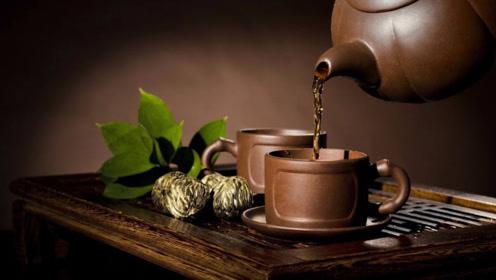 喝茶时别沾上3个习惯,不然弊大于利,爱喝茶的人要注意