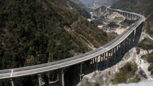 四川超级工程惊艳世界,建在2500米高空,还创多项世界纪录?