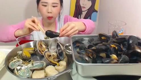 大胃王吃海鲜锅,大口的吃海鲜,吃的真过瘾!