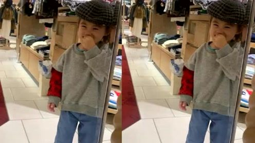 陈冠希晒女儿近照,头戴老爷帽十分可爱,对镜头笑的连眼睛都没了