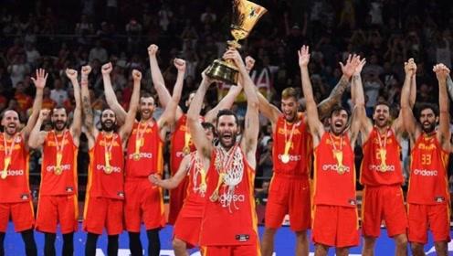西班牙男篮世界杯夺冠,众将捧冠军奖杯狂欢,卢比奥却成最大赢家