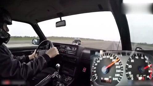 1233匹高尔夫300kmh加速,码表升速度比我车转速表还快