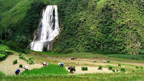 中国有个瀑布,总高度410米比黄果树高6倍,为啥至今不肯开发