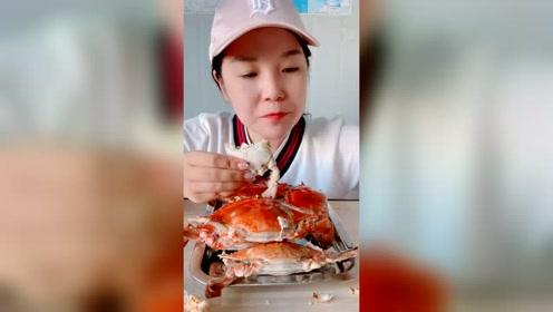 超级肥美的梭子蟹啊!肉肥膏满的小姑娘蟹!秋天真是吃螃蟹的时候
