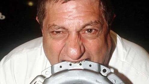男子以金属和玻璃为食,十年吃掉一架飞机,专家:异食癖而已!