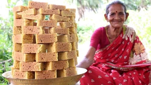 68岁老太把糖和玉米面煮成块,开始不成型,后面流口水