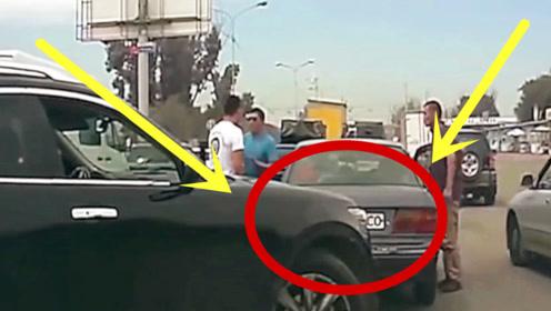 越野司机强行变道,竟下车找前车司机理论,网友:有理吗?