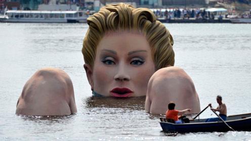 """湖中出现巨型""""美人鱼""""沐浴,游客看到不淡定了,争抢着拍照!"""