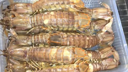 煮熟的皮皮虾,虾肉饱满,还有美味的虾心!