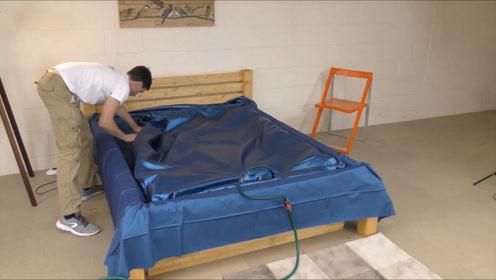 """情侣酒店的""""水床"""",睡起来这么舒服,里面到底装了什么?"""