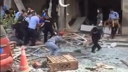 无锡一小吃店燃气爆炸事故已致9死10伤 事发地属联排商铺
