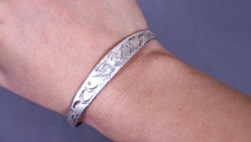 银手镯戴左手还是右手好?有些人还不懂,看完记得告诉家里人
