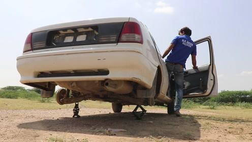 小哥将汽车后轮拆掉,两个轮子还能正常行驶吗?结果有些震撼!