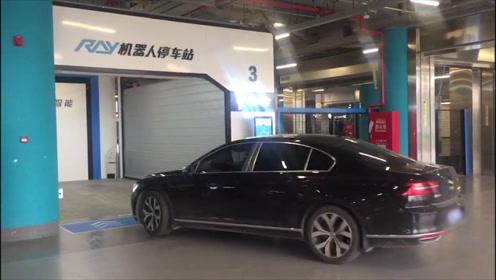 """超厉害!北京大兴机场引入""""自动泊车"""" 再也不用担心车位难找了"""