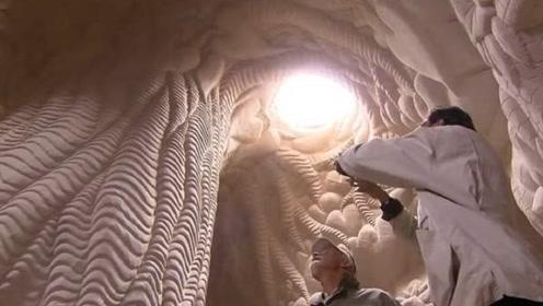 男子抛妻弃子20年,隐居沙漠决不回家,警察走进沙洞傻眼了