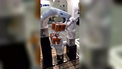 好想喝一瓶饮料,可惜这机器不给力,设计师不行!