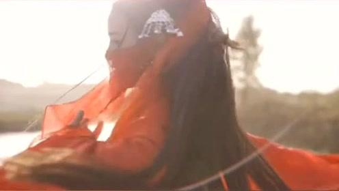 美女一袭红衣居然跳出这么美的古风《慕夏》,像仙女一般!