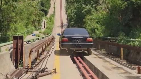 汽车撞击护栏检测,45度高速撞击