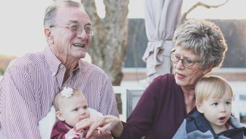 家里老人若用这3种方式带娃,宝妈看见要及时制止,别抹不开面子