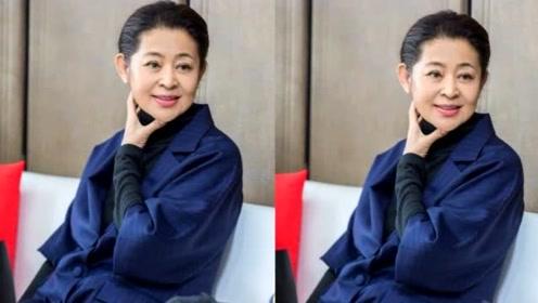 60岁倪萍减肥成功,从菜场大妈变回气质女神