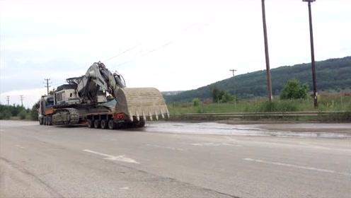 120吨大型利勃海尔984挖掘机,原来是这样运输过高架桥的