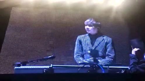 陶喆现身周杰伦演唱会 被追问二十年前恩怨