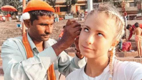 """印度的""""采耳人""""有多牛?一勺下去怀疑人生,网友:看着就很爽!"""