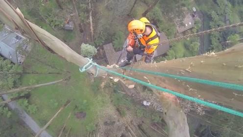 小哥在70米的高空作业,这么高看得恐高症都犯了