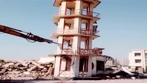 这么好的建筑物就这么拆了,真是太可惜了!