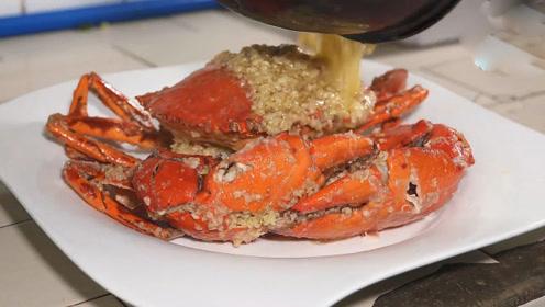 大厨做的油炸大青蟹,颜色看起来很正!