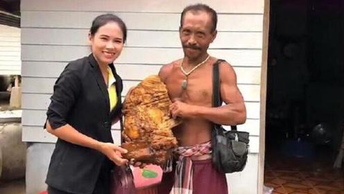 """泰国渔民捡到12斤""""不明物"""",鉴定结果一出,渔民不淡定了"""