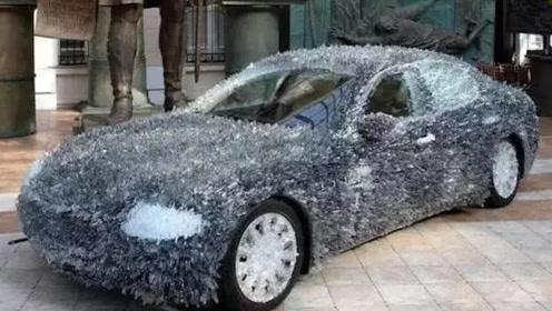 老外为了整治碰瓷党,将车身沾满5千克玻璃渣,网友:长白毛了?
