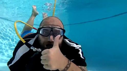 在水下钻圈是一种什么感觉?还不用氧气管的那种,是不是很刺激